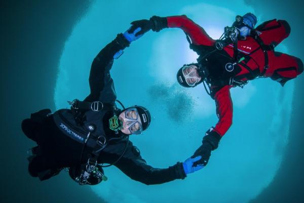 foto-taucher-unterwasserfotografie-kallweit-samarangersee-trockentauchanzug-mischgastauchen-deE56EEFAC-1199-FF3D-BFC5-3BCB5591E7CF.jpg