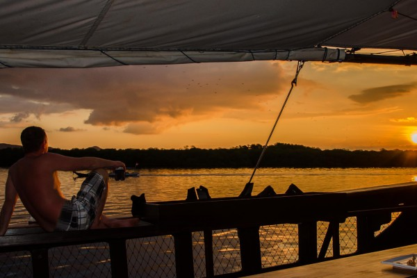 foto-taucher-unterwasserfotografie-indonesien-komodo-sunset-buddy1324BDD5-FA6C-56CF-434A-0537A4785D16.jpg