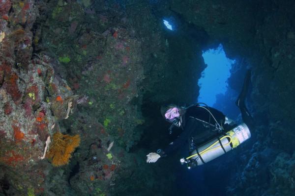 foto-taucher-unterwasserfotografie-aegypten-canyon23E9E28A-B808-8A11-3828-C5D40B1C7C23.jpg